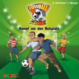 Andreas Schlüter, Irene Margil: Fußball-Haie (4): Kampf um den Bolzplatz